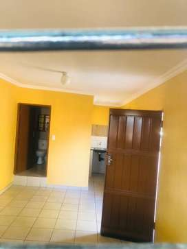 A bachelor room to rent in Capital Park