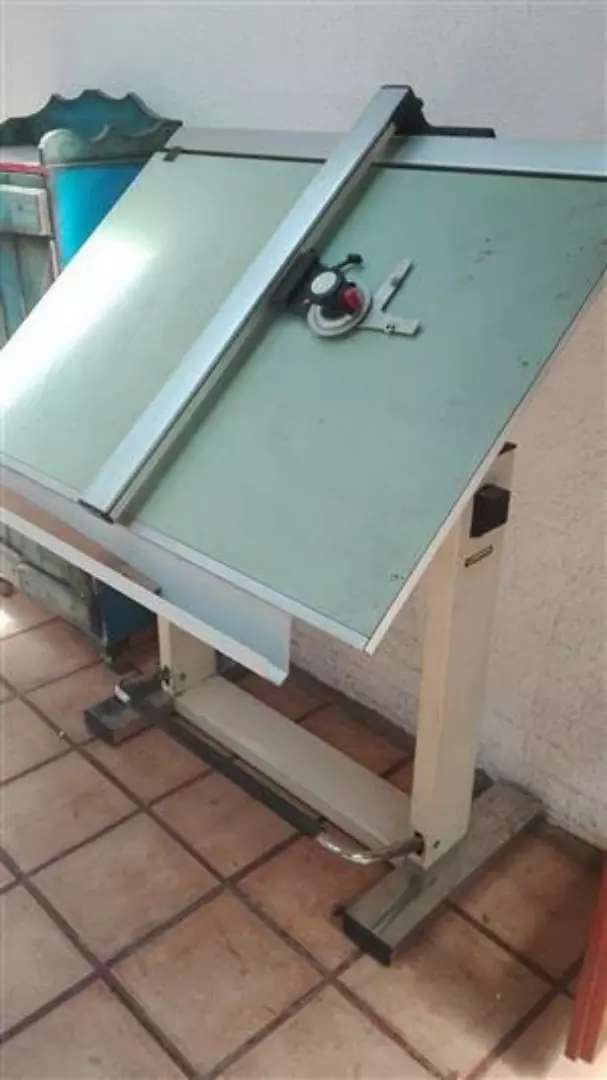 PROFESSIONAL DRAUGHTING TABLE EQUIPMENT / SALE OR SWAP 0