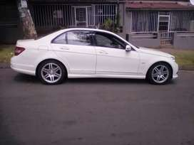 2011 Mercedes C200, automatic, reverse camera, sunroof, leather seat,