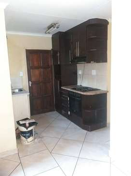 A lovely 3bdrm 2bthm to rent in Block vv R5000