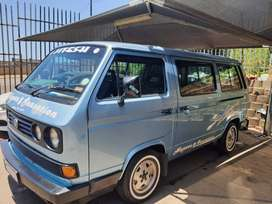 Vw Micro bus combi 2.5i 1997 modle  as is R75000 onco contact bunty