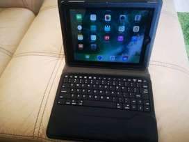 IPad 4 wifi and Sim excellent condition