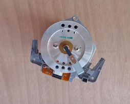 Мотор видео головка от Sony VHS видео магнитофона E20EL71 (оригинал)