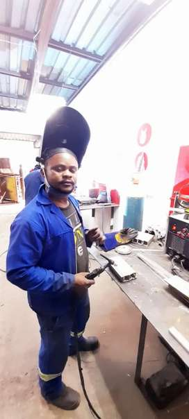 I'm a professional welder I can do co2,arc,tic,mic, aluminium and more