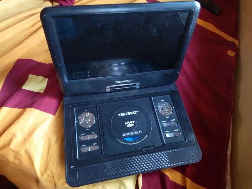 Portable TV and DVD player 0