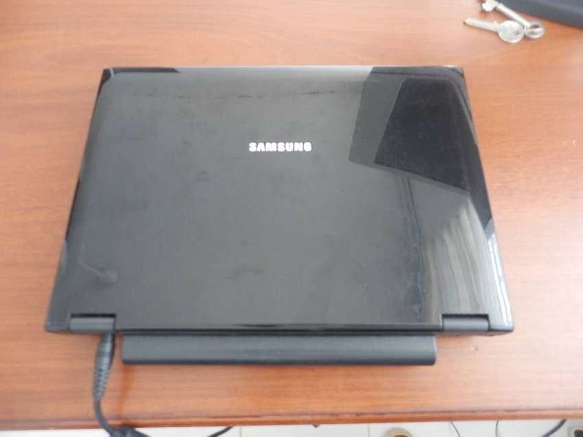"Samsung NP-Q45 - Laptop 12"" Core 2 Duo 1.67GHz 2GB RAM 230GB HDD 0"