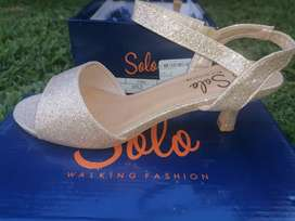Solo Ladies shoes- make me an offer