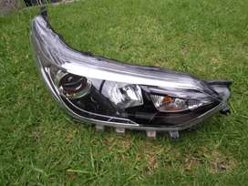 2020 TOYOTA YARIS RIGHT FRONT HEAD LIGHT FOR SALE