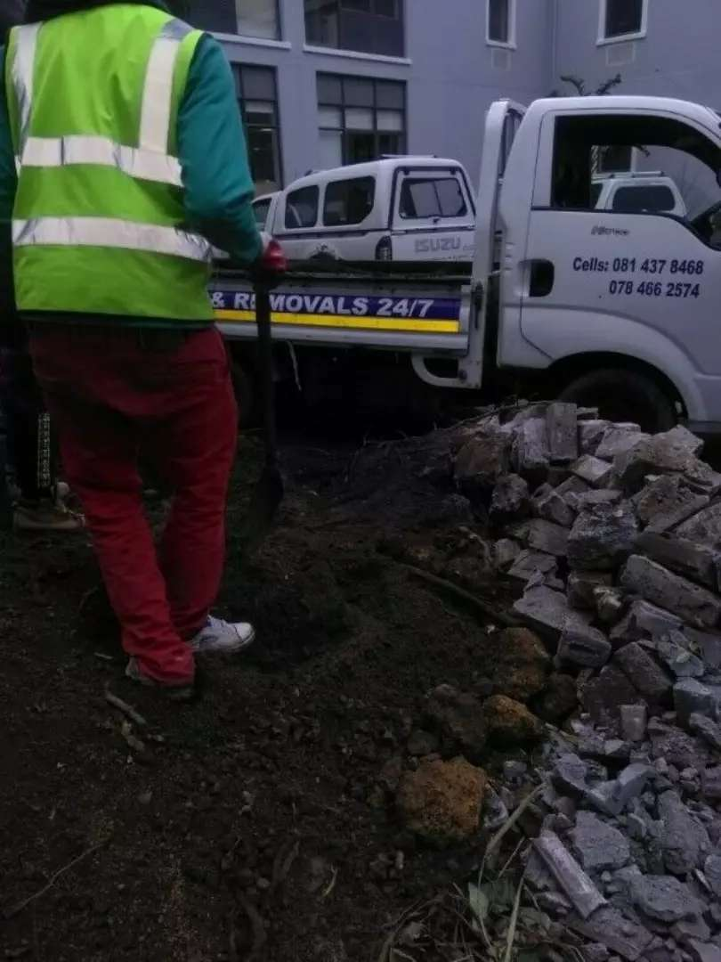 R600.RUBBLE REMOVAL. TLB HIRE. Tree felling 0