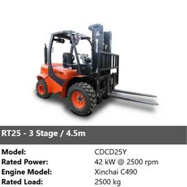 RT 2.5 Rough forklift (3 stage 4.5 m)