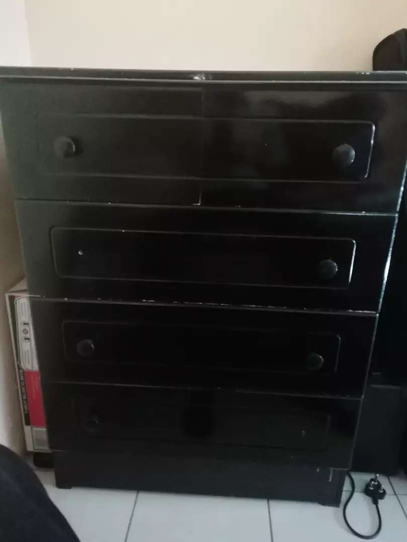 Chest of drawers 0
