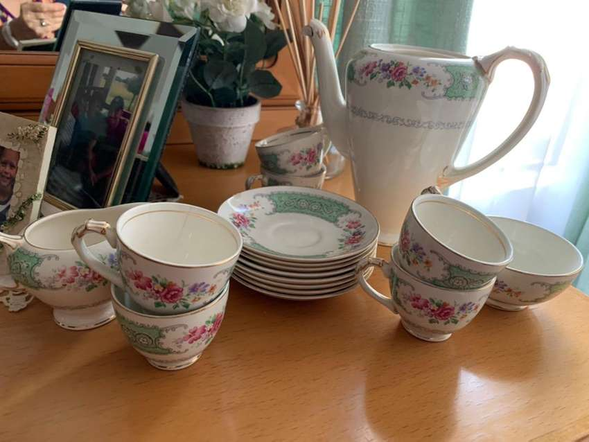 Antique tea set 0