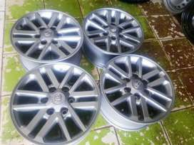 Magrims 17Inch 6Holes TOYOTA HILLLUX a Set Of Four On Sale