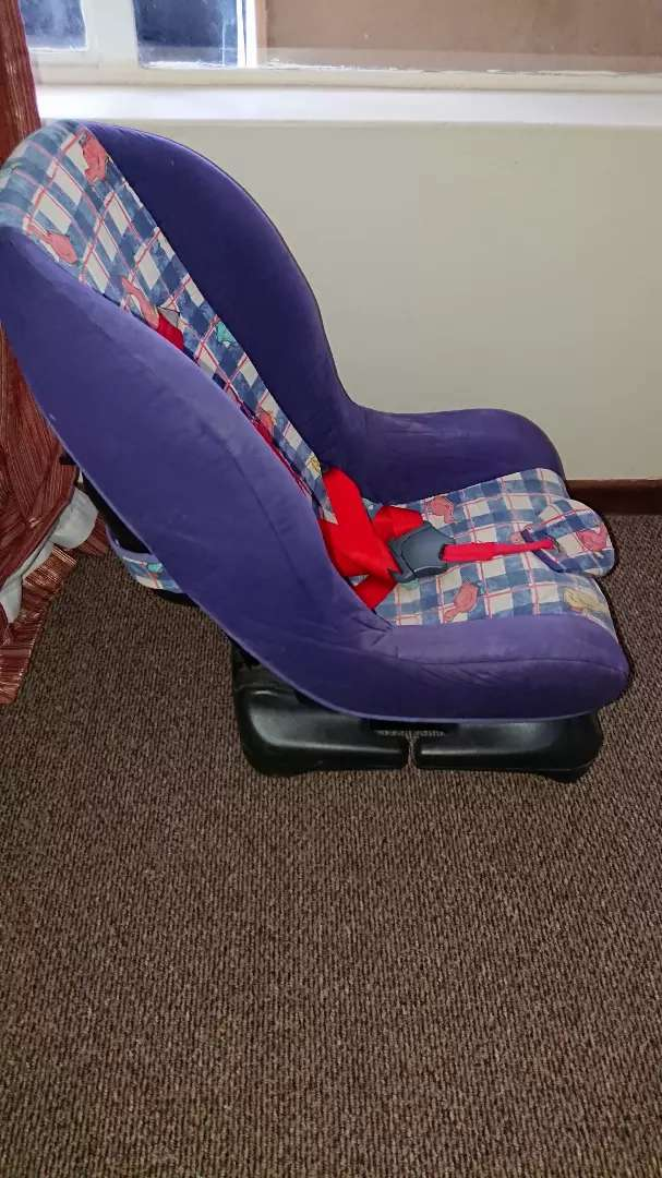 Baby car chair RELOCATING SALE 0