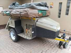 Offroad camping trailer