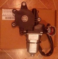 Мотор стеклоподъемника Nissan Maxima A33 пер. лев. X-Trail T30