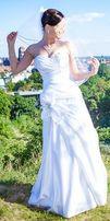 Śnieżnobiała suknia ślubna 36-40