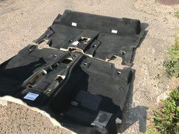 BMW F15 Ковролин,ковёр,пол тёмного цвета в идеальном состоянии.