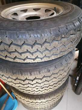 14inch 6hole bakkie rims and tyres