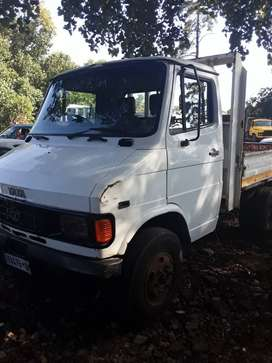 I am selling my tata truck 407. 2ton start and go