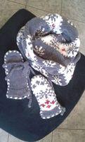 Komplet komin i rękawiczki na prezent