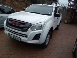Isuzu KB250 D-TEQ Diesel Bakkie Club Cab Manual For Sale