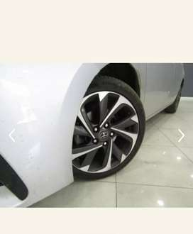 Wanted.toyota corolla special edition mags as per pic