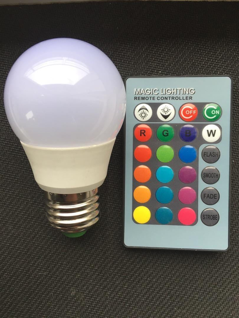 Čtyři nové led barevné žárovky na dálkové ovládání. Původni cena 260 0