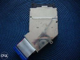 Gniazdo PCMCIA z mechanizmem wyrzutowym karty