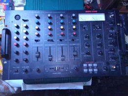 Мікшерний пульт RadioShack SSM-1750