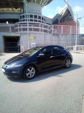 HONDA CIVIC..1.8 liters. R61 000.(PRICE NEGOTIABLE)