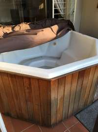 Jacuzzi bath for sale  South Africa