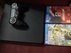 Pre owned ps4  500 gb