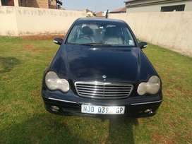 Mercedes Benz C320 automatic car drives well
