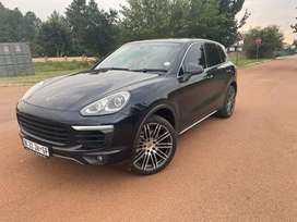 2014/15 porsche cayenne s new spec super clean