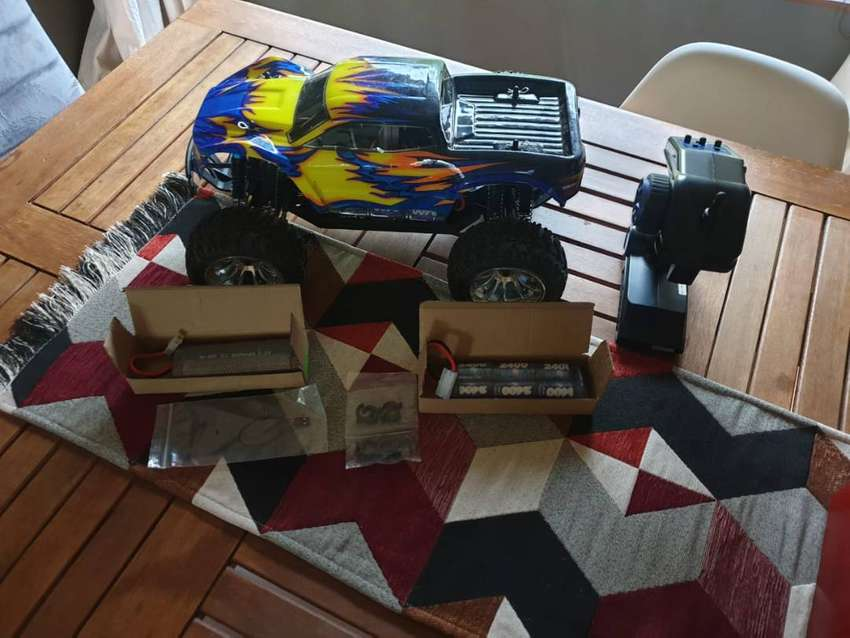 1/10th 4WD Electric Power R/C Monster Truck 0