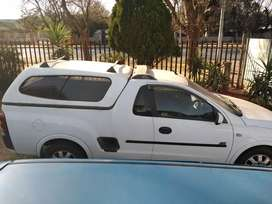 Hi everyone we are selling a opel corsa utility bakkie 2007