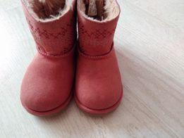 Черевики(ботинки),чоботи,уггиZara