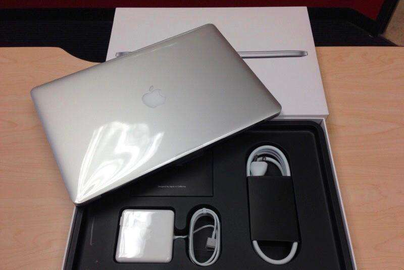 15inch MacBook Retina 2015 NEW! 0