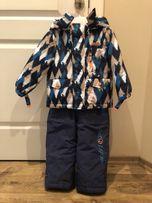 Костюм, куртка и полукомбинезон.