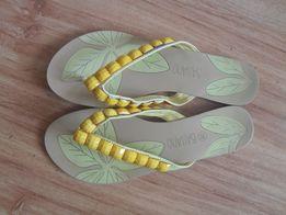 Klapki JAPONKI Bassano - żółte z kamyczkami r. 38 ( 24,5 cm )