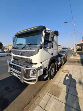 2017 Volvo FMX 440 horse truck for sale