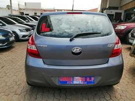 2012 Hyundai i20 1.6 engine capacity hatchback.