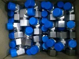 Hoses and fittings for sale