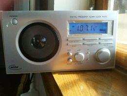 Продам цифровой радиоприемник ELTA-3502 /Германия/