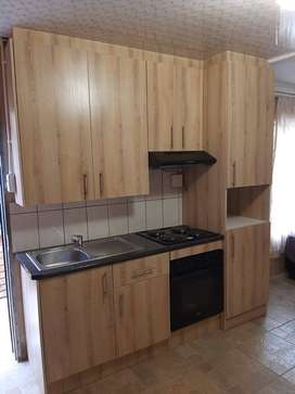 A spacious unit in Clayville Ext 26