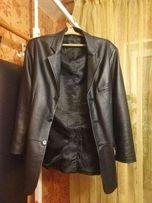 Кожаная курточка пиджак пальто