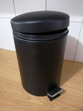 Mini Nails DustBin Available for Sale