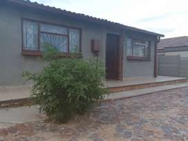 Well secured 2 bedroom house in Daveyton