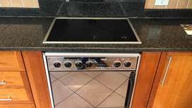 700mm Defy Hob & Oven —R4000